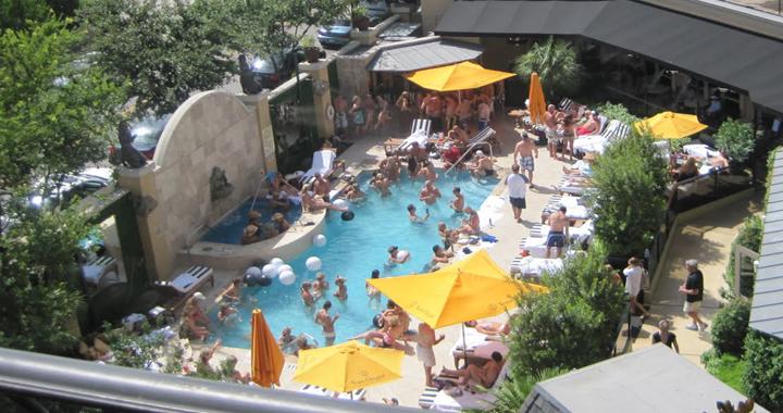 Zaza Pool Party Table